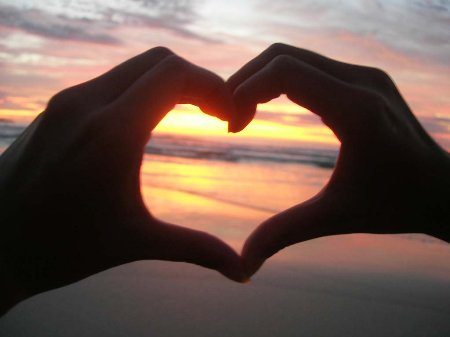 imagen de amor en la playa