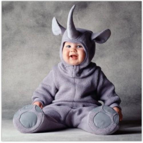 imagen tierna - bebe disfrazado de rinoceronte