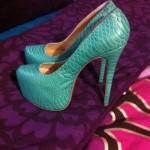 zapatos escamas
