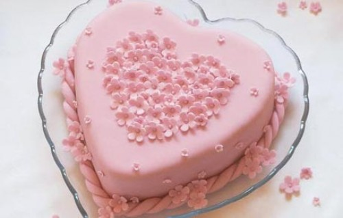 pastel de corazon e1345815887522 Imágenes de postres en forma de corazón