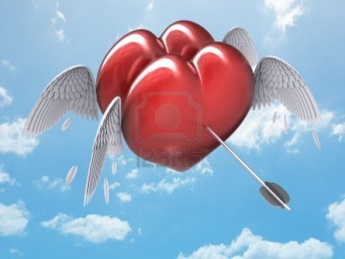 dos-corazones-juntos-detenido-por-una-flecha-de-cupido