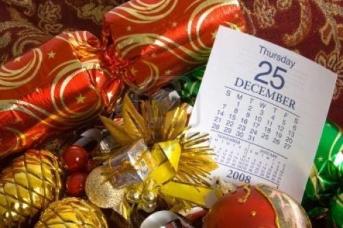 3255094 adornos de navidad con el calendario que muestra la pagina 25 de diciembre e1356441227665 25 de Diciembre