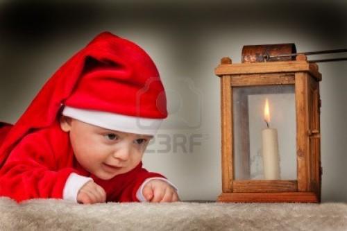 8362710 pequeno bebe disfrazado de santa claus bebe como santa claus e1354982054497 Bebés disfrazados de Santa Claus
