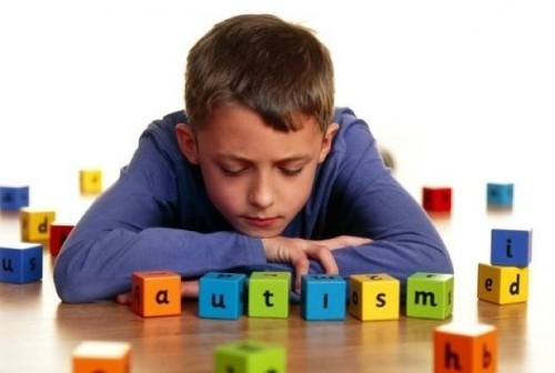 autismo terapia 670xXx80 e1364874096546 2 de Abril Día Mundial de Concientización del Autismo
