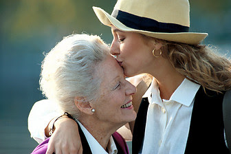 adolescentes besos mayores Mi Madre, Mi Mejor Amiga