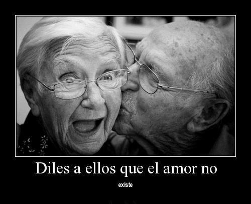 ancianos2 1 500x407 El amor nunca se desgasta