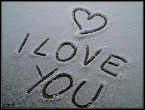 imagen de amor en la nieve