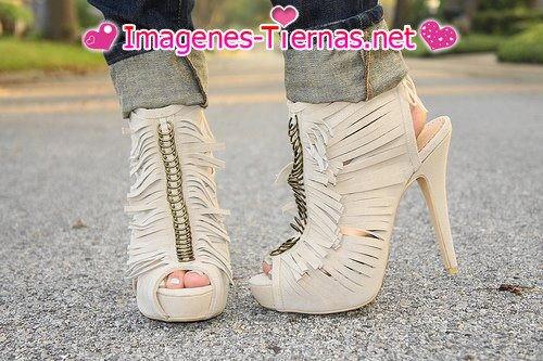 Sandalias altas estilo botin  tacon de aguja
