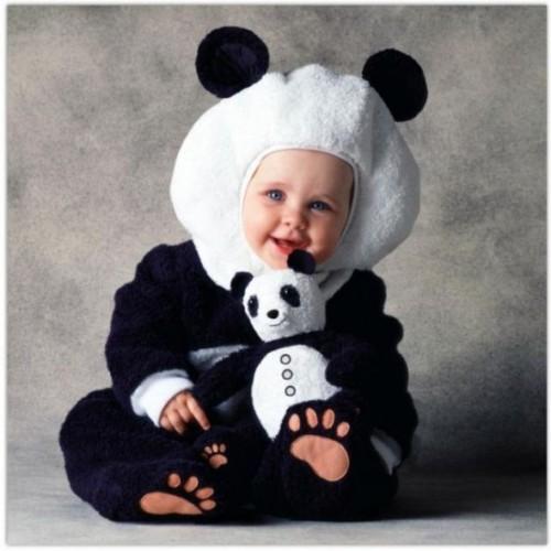imagen tierna - bebe disfrazado de Panda
