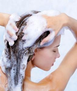 como-lavar-el-cabello-253x300
