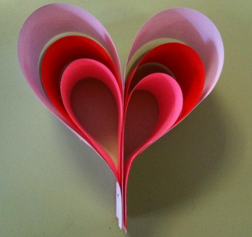 corazon-de-papel-en-3d-para-el-dia-de-los-enamorados
